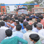 Purchase chillies at MIP: Chilli farmers demand during road blockade